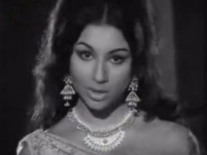 Ye Raat Phir Na Aayegi aap se Sharmila Tagore
