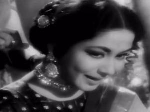 Sahib Biwi aur Ghulam piya aiso jiya me Meena Kumari